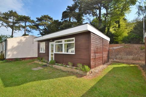 2 bedroom detached bungalow for sale - Weybourne