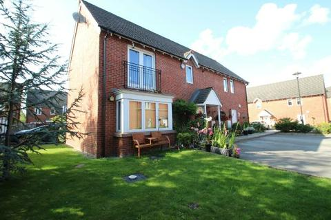 2 bedroom apartment for sale - Turnbull Road, West Timperley, Altrincham
