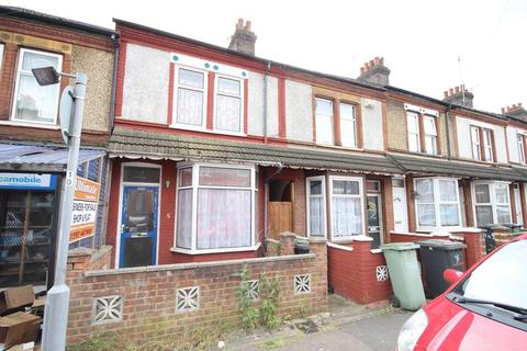 3 bedroom terraced house for sale - Shaftesbury Road.