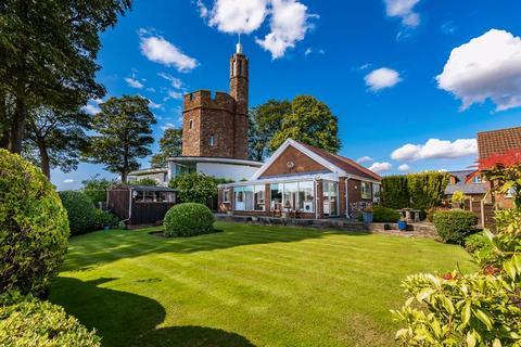 2 bedroom detached bungalow for sale - Tower Lane, Lymm