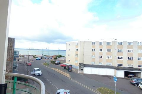 2 bedroom flat for sale - Milvil Road, Lee-On-The-Solent