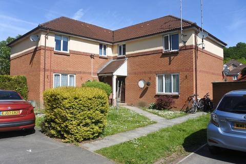 1 bedroom flat to rent - Whiteway Close, Bristol