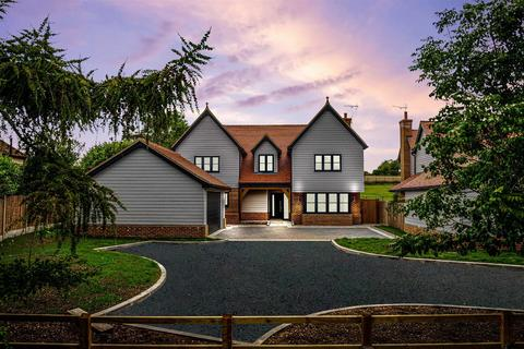 5 bedroom detached house for sale - The Meadows, Hare Street