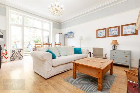 3 bedroom flat for sale - Grosvenor Crescent, St. Leonards-On-Sea