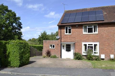 3 bedroom semi-detached house for sale - Roebuts Close, Newbury, Berkshire, RG14