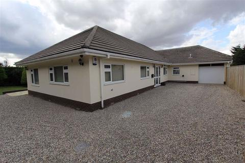 3 bedroom detached bungalow for sale - Green Lane, Bempton, YO15