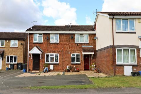 2 bedroom terraced house for sale - Hawkfields, Bushmead, Luton, LU2