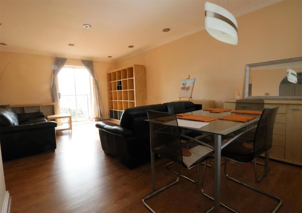 Open plan dining lounge.jpg