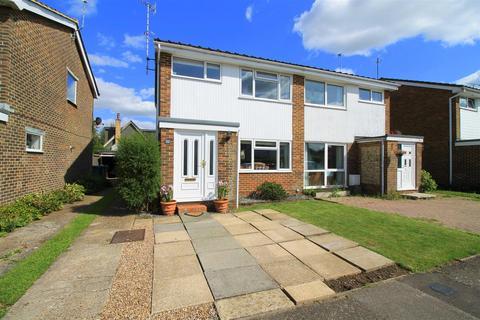 3 bedroom semi-detached house for sale - Saltings Way, Upper Beeding, Steyning
