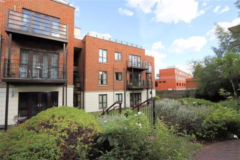 2 bedroom flat to rent - High Road, South Woodford