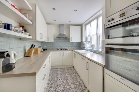 2 bedroom apartment for sale - Lincoln Court, London Road, Enfield