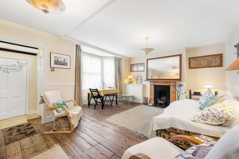 2 bedroom flat for sale - Elm Park, Brixton, London SW2
