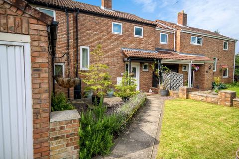 4 bedroom semi-detached house for sale - Glebe Avenue, Full Sutton, York, YO41 1NX