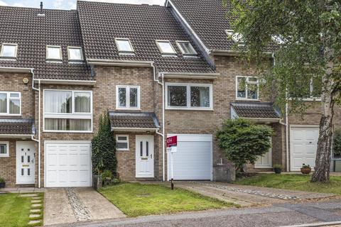 3 bedroom terraced house for sale - Rolvenden Gardens, Bromley
