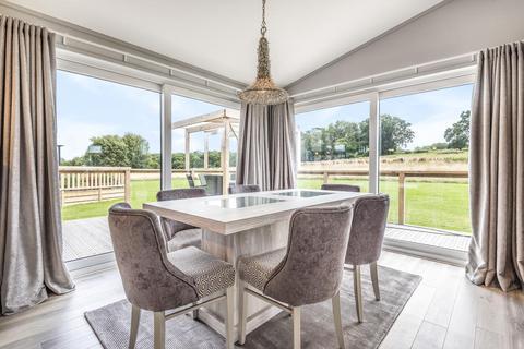 3 bedroom detached bungalow for sale - Newbury,  Berkshire,  RG14