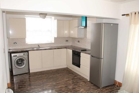 Studio to rent - Littleton Road, Salford