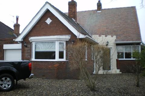 4 bedroom detached house to rent - Castle Road, Cottingham, HU16