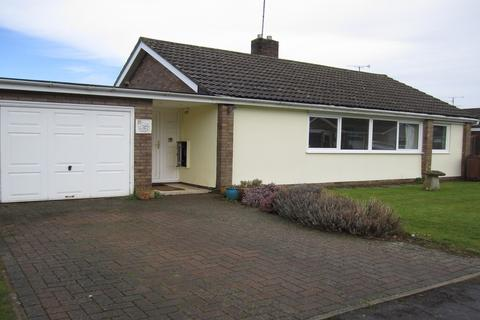 3 bedroom detached bungalow to rent - Highland Road, Cheltenham GL53