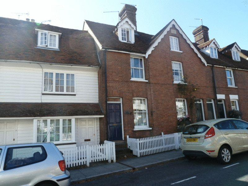 2 Bedrooms Terraced House for rent in CRANBROOK