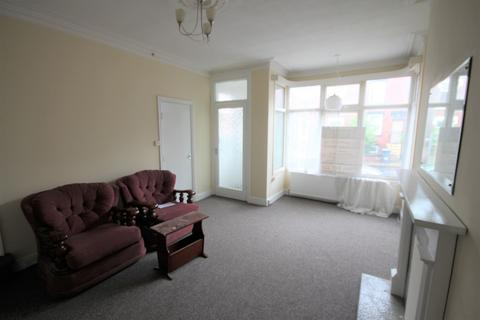 3 bedroom terraced house to rent - Bayswater Mount, London, LS85