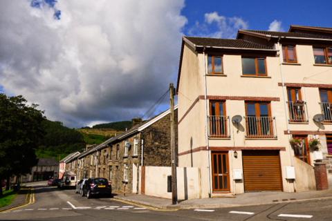 3 bedroom townhouse for sale - Trinity Court, The Strand, Blaengarw, Bridgend CF32