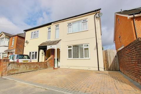 3 bedroom semi-detached house for sale - Leighton Road, Itchen
