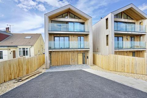4 bedroom detached house for sale - 15 West Beach, Shoreham-by-Sea, West Sussex BN43 5LF, UK