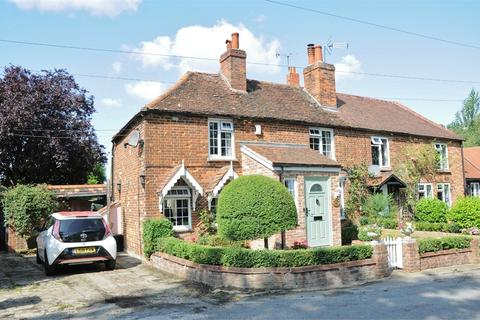3 bedroom semi-detached house for sale - Sandford Mill Lane, Great Baddow, Chelmsford, Essex