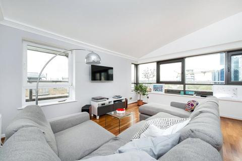 2 bedroom apartment to rent - Meridian Place, Canary Wharf, London, E14