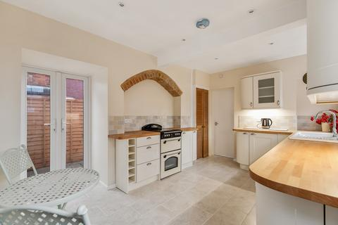 2 bedroom flat for sale - Magazine Road, Ashford