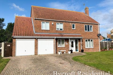 4 bedroom detached house for sale - Martin De Rye Way, Caister-on-sea