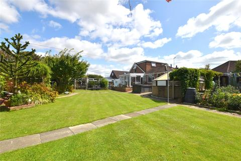 3 bedroom detached house for sale - St. Lukes Close, Lancing, West Sussex, BN15