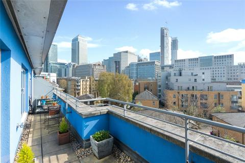 2 bedroom penthouse to rent - Premiere Place, E14