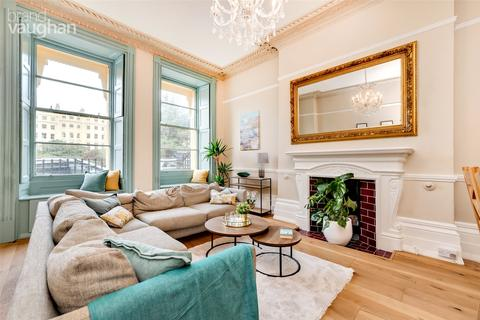 3 bedroom apartment for sale - Brunswick Square, Hove, BN3