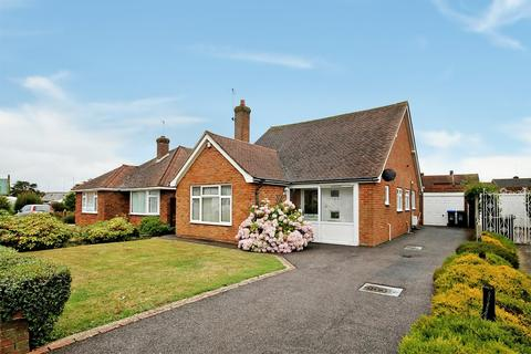 3 bedroom detached bungalow for sale - Chester Avenue, Lancing, BN15 8PQ
