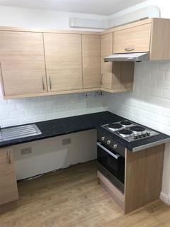 Studio to rent - Carlyle Road, B16