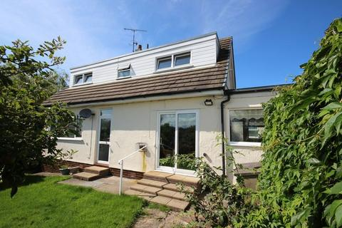3 bedroom detached bungalow for sale - Erw Fawr, Conwy