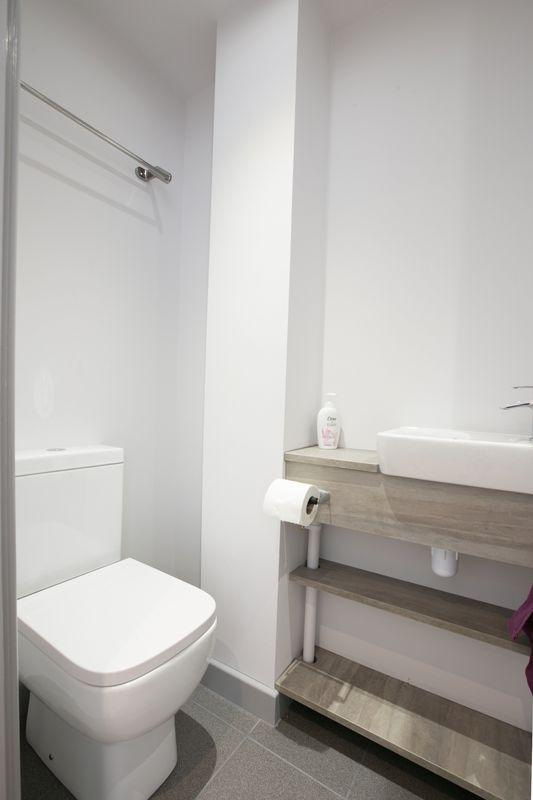 Wc/ shower room