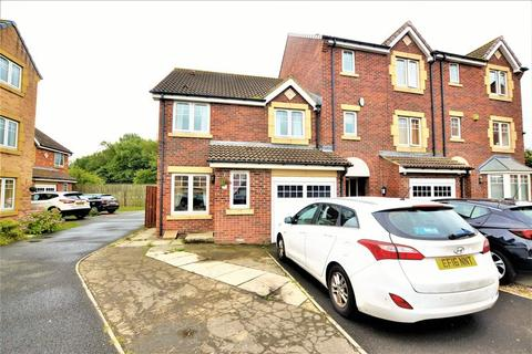3 bedroom semi-detached house for sale - Forest Gate, NE12
