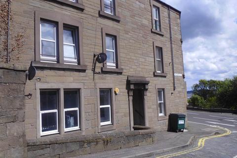 3 bedroom flat to rent - 1A Wellington Street, ,