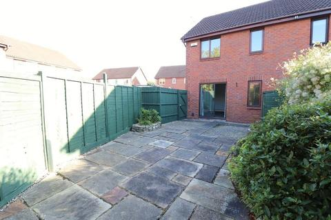 3 bedroom semi-detached house to rent - Stanbury Mews, Gloucester