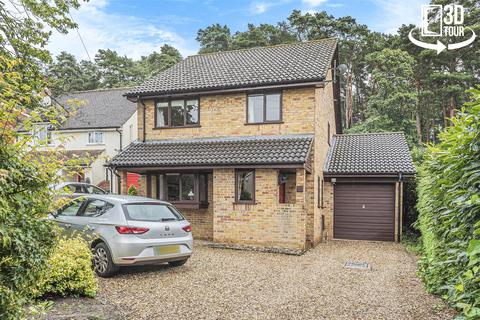 3 bedroom detached house for sale - Furzehill Crescent, Crowthorne, Berkshire, RG45 7LH