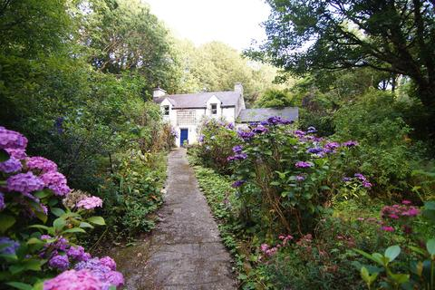 2 bedroom cottage for sale - Valley Road, Llanfairfechan