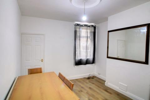 2 bedroom terraced house to rent - Western Road, Leicester, LE3