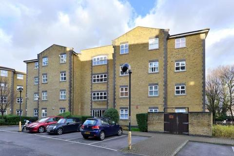 2 bedroom flat to rent - Twig Folly Close, London
