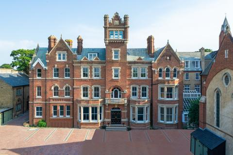 4 bedroom flat for sale - 125 Canterbury Road, Westgate on Sea, CT8