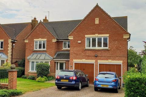 5 bedroom detached house for sale - Martlet Close, Wootton, Northampton