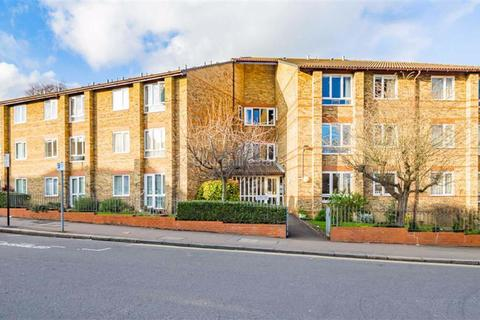 1 bedroom flat to rent - Ullswater Court, South Woodford