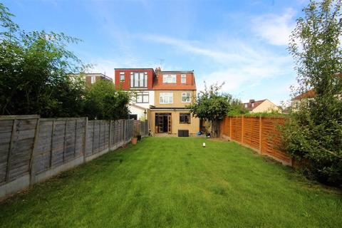 4 bedroom semi-detached house to rent - Canfield Road, Woodford Green, Woodford Green