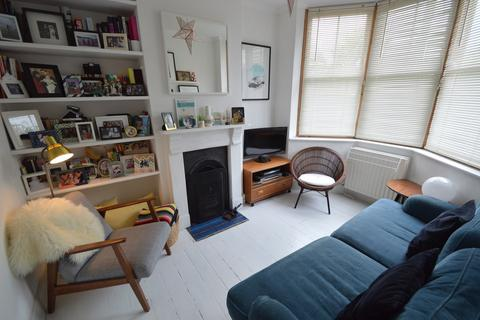 3 bedroom terraced house for sale - Risley Avenue, London, N17